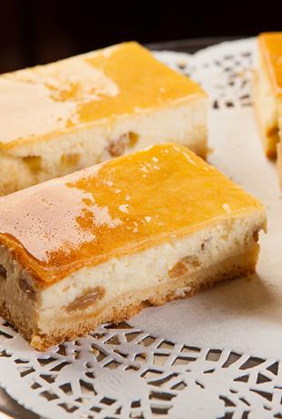 Cheesecake with Raisins